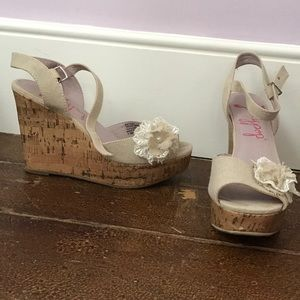 Cork wedges with floral accent and platform